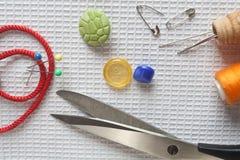 Instruments de couture de travail Images libres de droits