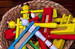 Instruments de musique color?s hors de bois au Portugal photo stock