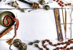 Instruments de musique religieux pour le med de méditation et d'alternative photographie stock libre de droits