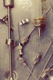 Instruments médicaux du siècle dernier images stock