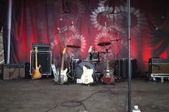 Instrumenty na scenie przygotowywającej kołysać Obraz Royalty Free