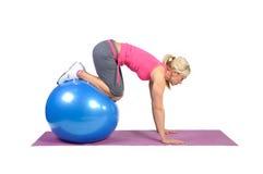 Instrutor fêmea novo apto dos pilates Imagens de Stock