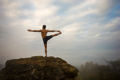 Instrutor profissional da ioga Imagens de Stock Royalty Free