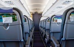 Intérieur à l'intérieur de l'avion sans passagers Photographie stock