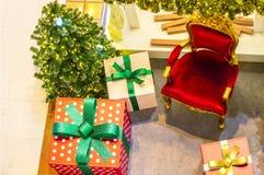 Intérieur à la maison d'étalage, décoration de Noël sur l'espace vital Photo libre de droits