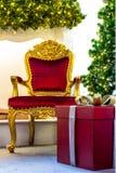 Intérieur à la maison d'étalage, décoration de Noël sur l'espace vital Images libres de droits