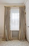 intérieur à la maison de draperie Image stock