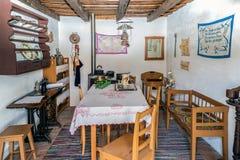 Intérieur à une ferme d'Allemand ethnique dans Banat, Roumanie Photo libre de droits