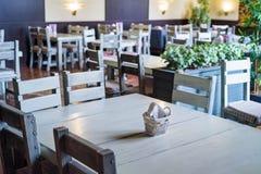 Intérieur élégant de restaurant moderne Photos stock