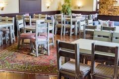 Intérieur élégant de restaurant moderne Photographie stock libre de droits