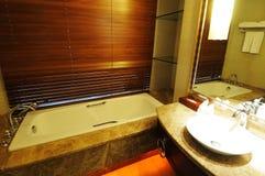 Intérieur 6 de salle de bains d'hôtel Photographie stock libre de droits