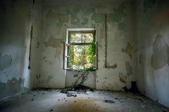 Intérieur abandonné de maison photos libres de droits