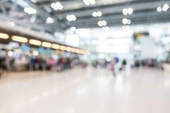 Intérieur abstrait d'aéroport de tache floue Photo libre de droits