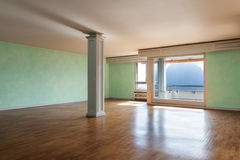 Appartement dans le classique de style photographie stock libre de droits