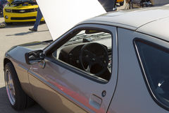 1985 intérieur argenté de Porsche 928-S Photographie stock libre de droits