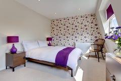 Intérieur assez moderne de chambre à coucher Photo libre de droits