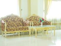 Intérieur avec des meubles de vintage - image courante Photos libres de droits