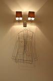 intérieur avec les lumières et le cintre Photographie stock libre de droits