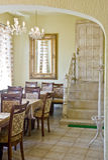 Intérieur classique de restaurant Images libres de droits