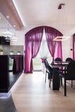 Intérieur conçu dans la résidence de luxe photographie stock