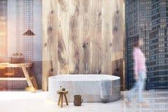 Intérieur concret de salle de bains, baquet modifié la tonalité Images stock