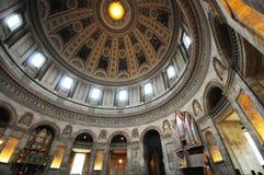 Intérieur d'église Photos stock