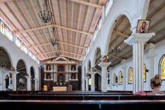 Intérieur d'église chez San Juan La Laguna au Guatemala Photos stock