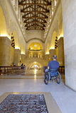Intérieur d'église de fauteuil roulant photo stock