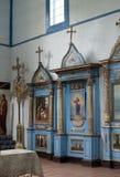 Intérieur d'église en bois ukrainienne Images stock