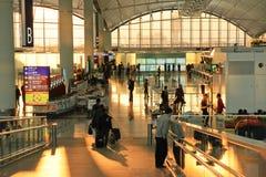 intérieur d'aéroport au coucher du soleil Photos stock