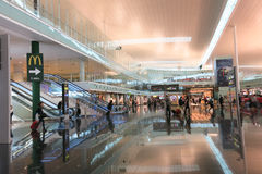 Intérieur d'aéroport de Barcelone, Espagne Photo libre de droits