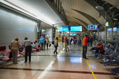 Intérieur d'aéroport de Dubai International Images libres de droits