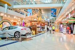 Intérieur d'aéroport de Dubai International Photo stock