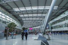 Intérieur d'aéroport de Dusseldorf à Dusseldorf, Allemagne Photo libre de droits