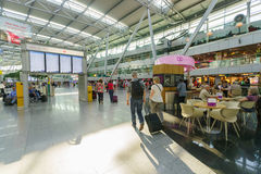 Intérieur d'aéroport de Dusseldorf Photos libres de droits