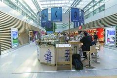 Intérieur d'aéroport de Dusseldorf Images stock