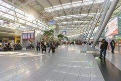 Intérieur d'aéroport de Dusseldorf Photo stock