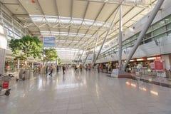 Intérieur d'aéroport de Dusseldorf Image libre de droits