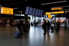 Intérieur d'aéroport de Schiphol, Amsterdam, Pays-Bas Image stock