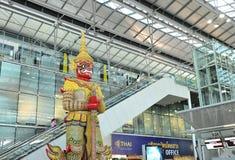 Intérieur d'aéroport de Suvarnabhumi Photos libres de droits