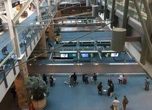 Intérieur d'aéroport de Vancouver dans le Canada de pays Photos libres de droits