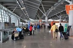 Intérieur d'aéroport de Varsovie Images libres de droits