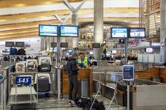 Intérieur d'aéroport international d'Oslo Gardermoen Photos stock