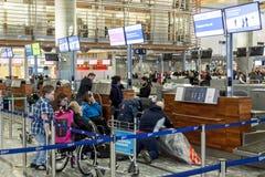 Intérieur d'aéroport international d'Oslo Gardermoen Photo stock