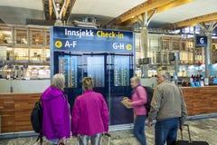 Intérieur d'aéroport international d'Oslo Gardermoen Photographie stock