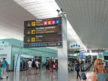 Intérieur d'aéroport international de Barcelone Images libres de droits