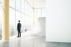 Intérieur d'affaires avec la personne Photographie stock libre de droits