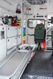 Intérieur d'ambulance d'unité de délivrance d'accident de sapeurs-pompiers photographie stock