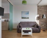 Intérieur d'appartement moderne dans le style scandinave image stock