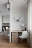 Intérieur d'appartement moderne dans le style scandinave Photos stock